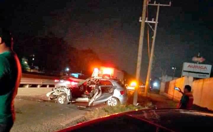 Aparatoso accidente en carretera Vhsa – Cárdenas