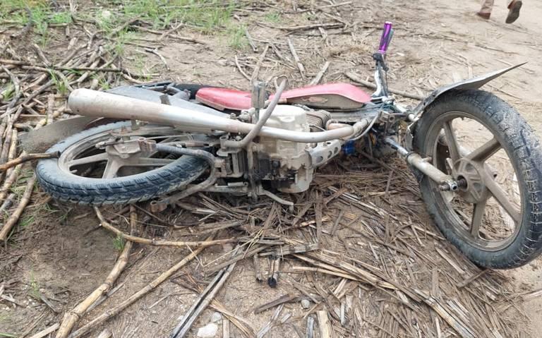 Hallan muerto a motociclista en camino de terracería de Cárdenas