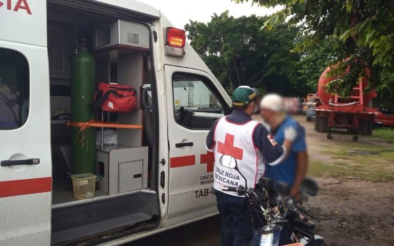 Por mala maniobra, camioneta provoca múltiples lesiones a motociclista en Cárdenas