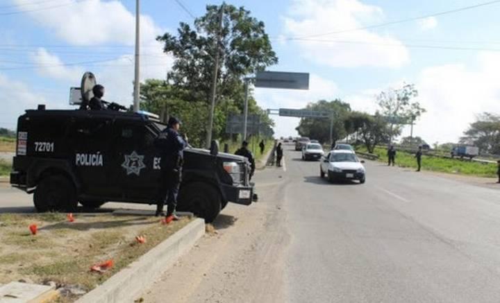 Ilegales, retenes antimovilidad en Tabasco: abogado