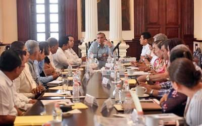 Entablan diálogo alcaldes con el gobernador sobre Movilidad - El