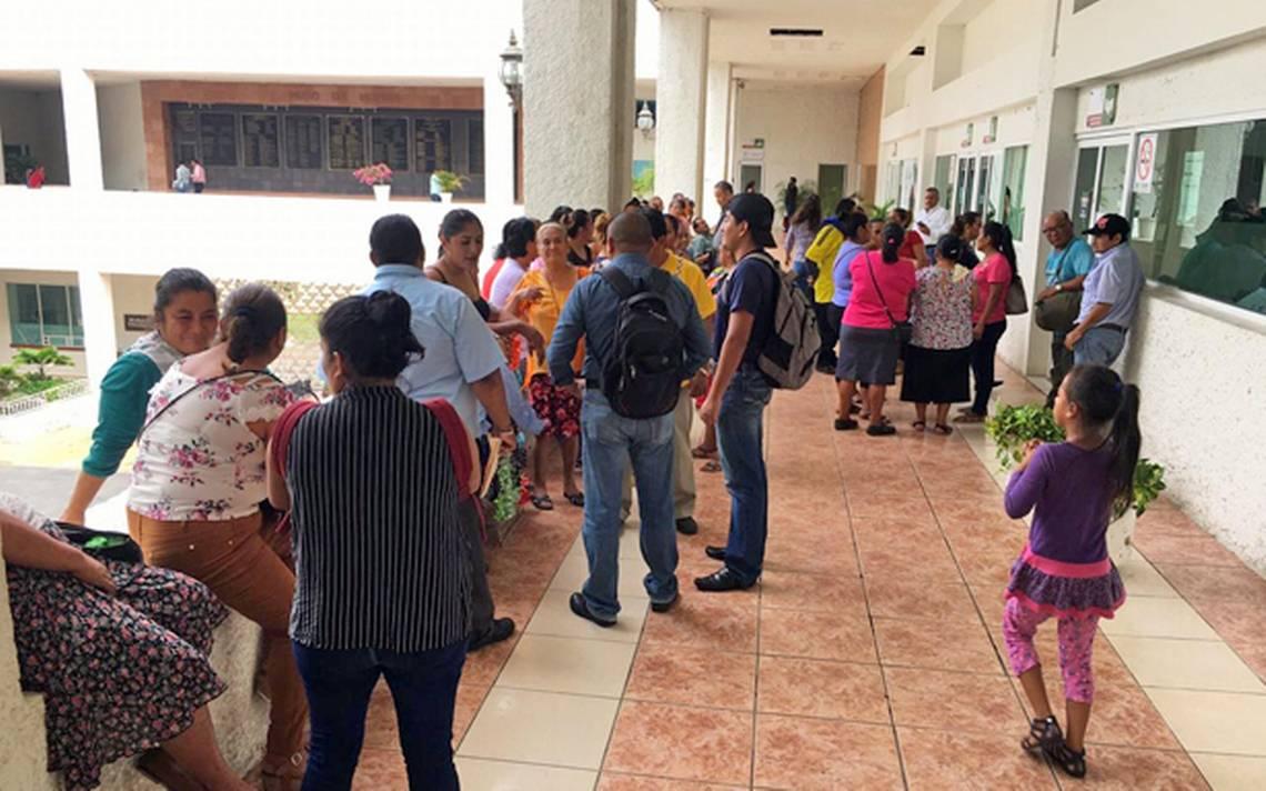 Protestan vendedores semi fijos por espacios en el Pino Suárez - El Heraldo de Tabasco