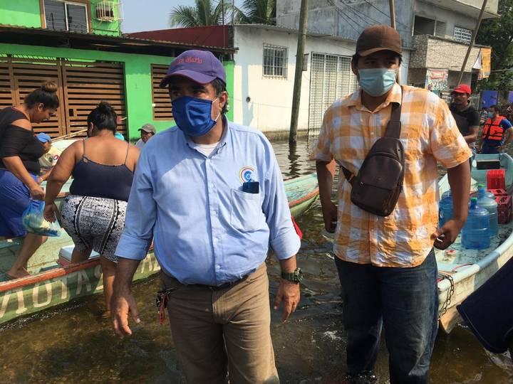 ¡Corren a priistas carroñeros! Dirigente estatal y diputado del PRI son increpados en Gaviotas