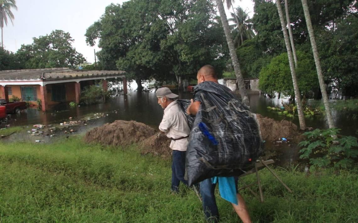 Lluvias dejan inundaciones en Paraíso - El Heraldo de Tabasco