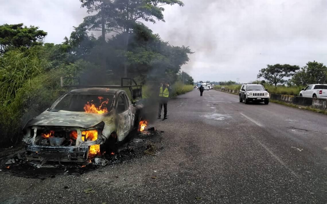 Se calcina vehículo en la vía Paraíso-Cunduacán - El Heraldo de Tabasco