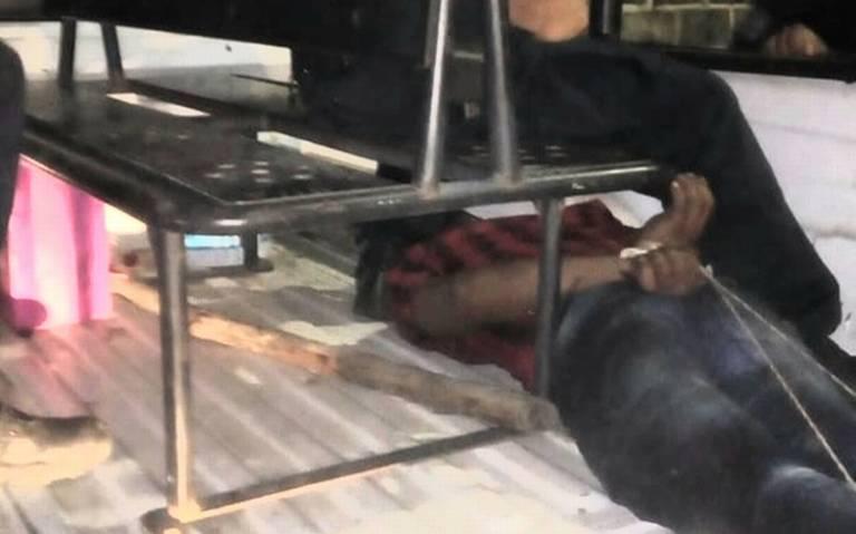 Lo entregaron amarrado como iguana a la policía en Paraíso