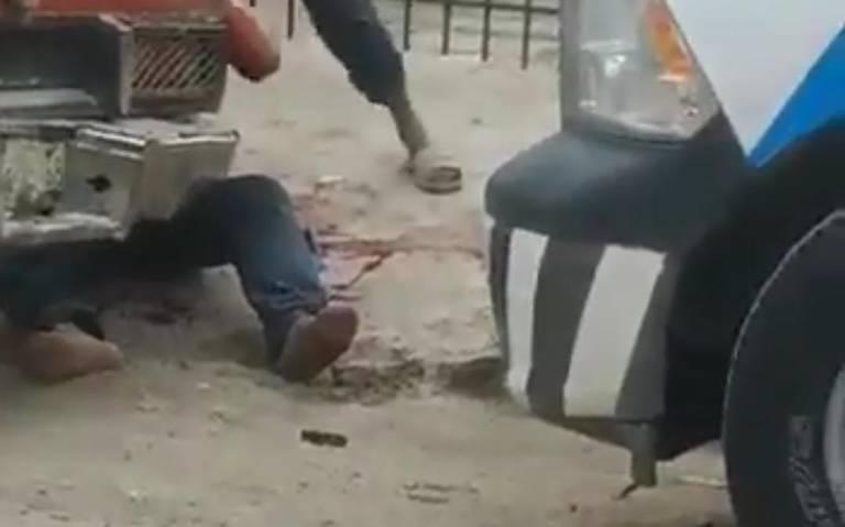 Hombre ataca a machetazos en vía pública de Macuspana