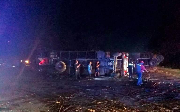 Encontronazo de tráileres en carretera a Cárdenas; un herido